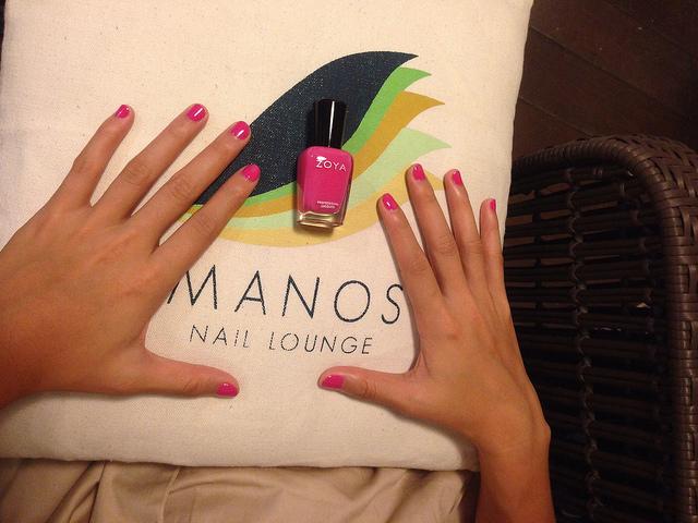 manos nail lounge nail spa in bgc