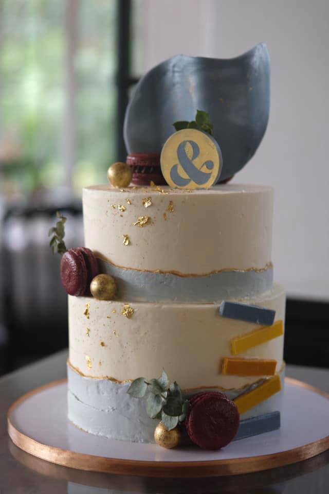 a modern minimalist wedding cake