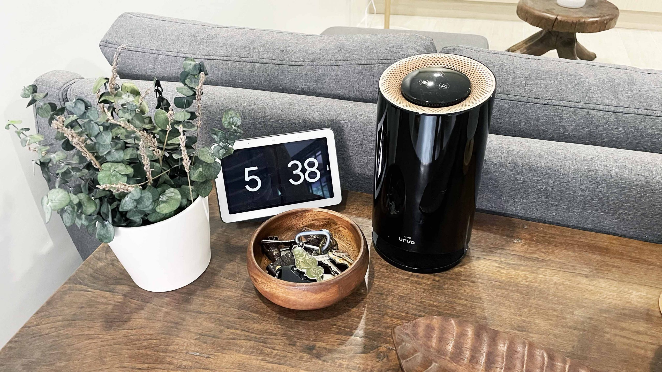 air purifier with uv light in a living room