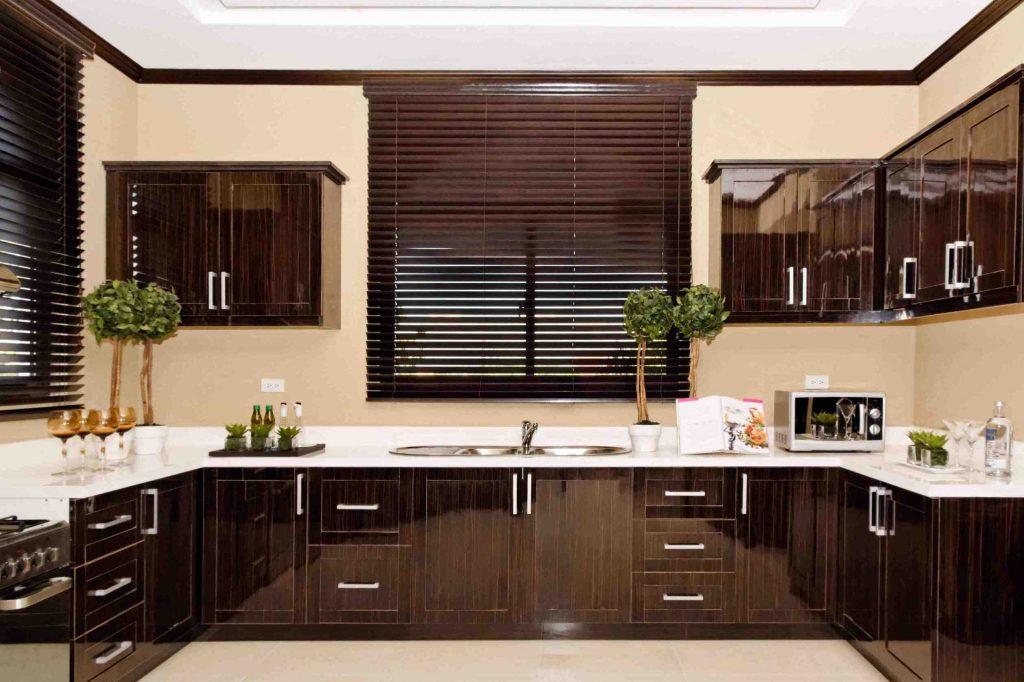 brittany vista land kitchen